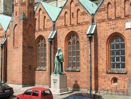 Кафедральный собор города - 3