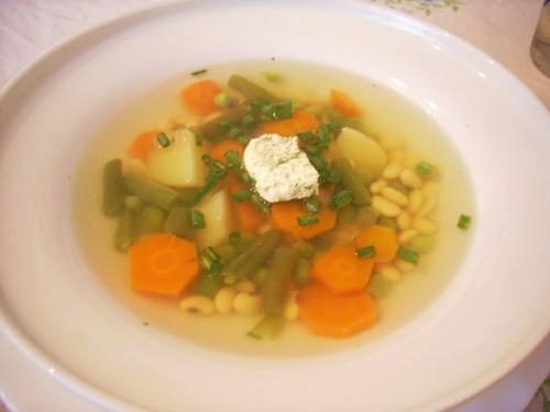 суп очень вкусный, сытный, свежий, полезный, и просто придающий хорошего настроения необычный тем