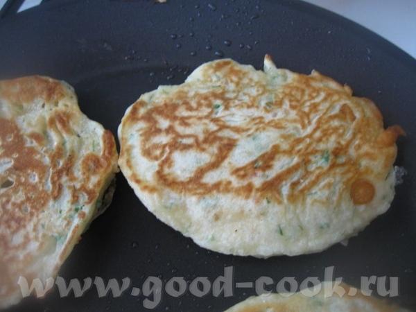 Тесто не должно быть слишком жидким Далее жарим, как обычные оладьи на растительном масле - 3