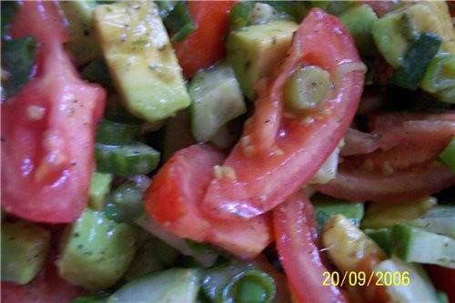 А я ещё с одним салатиком салат из авокадо : авокадо - 1 шт