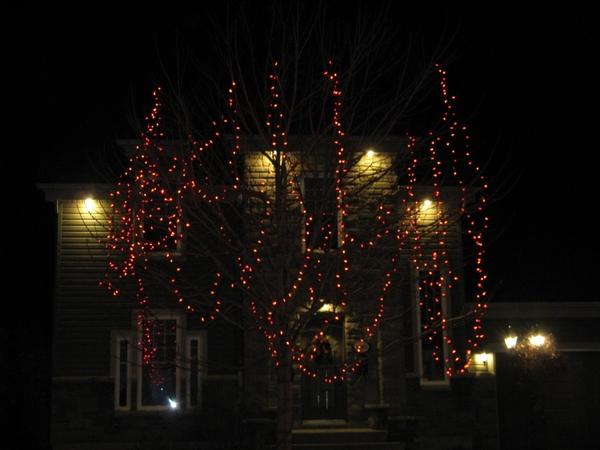 Ну что, начну показ уличных украшений домов к Рождеству - 7