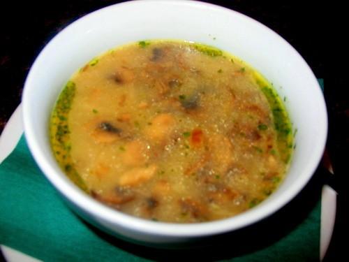 Девочки у нас сегодня как всегда скромно: Суп-потаж грибной рыбка под томатным соусом от -очень вку...