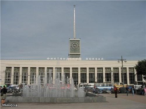 А это уже комплекс тоже новых фонтанов у Финляндского вокзала - они еще и подсвечиваются