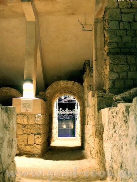 Наконец-то добралась выставить фотки с концерта Машины Времени в Израиле, который проходил в Древне...