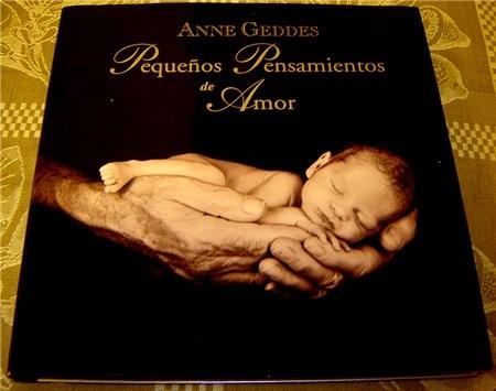 А я после отпуска, наконец то нашла альбом Anne Geddes с великолепными фото младенцев