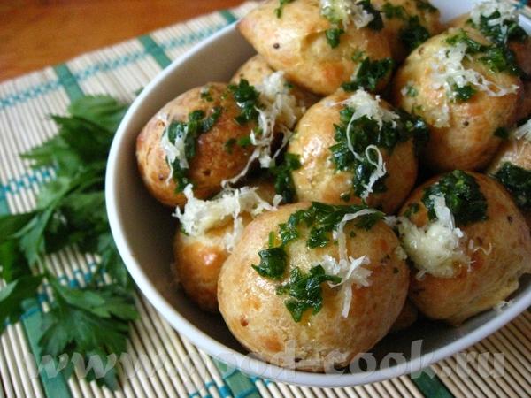 Закусочные профитроли с чесночным маслом (Gougиres) Рецепт на английском языке здесь