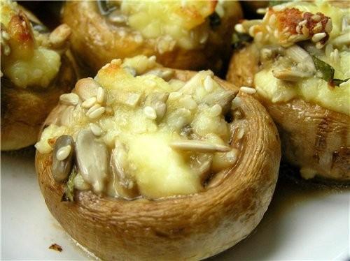 Закуска из кабачков с белыми грибами и помидорами Закуска из шампиньонов с брынзой, кунжутом и семе... - 3