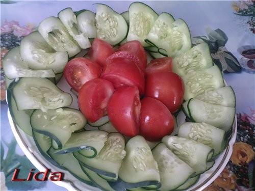 Овощная нарезка (украшение блюда) Огурцы помидоры - 2