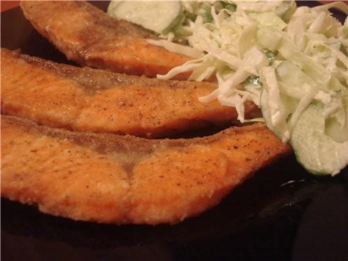 Всем привет, я принесла вчерашний свой ужин, правда, ничего особенного: жаренная форелька и овощной...
