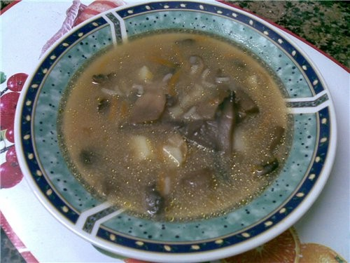 Грибной суп с рисом 500 г грибов большая луковица большая морковь 2 картофелины растительное и слив... - 2