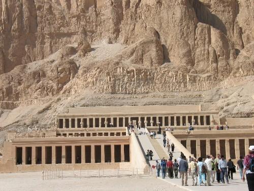 Храм Хадшипсут