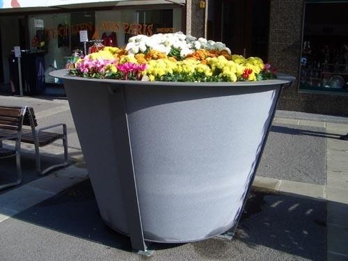 Жалко, что на такой маленькой фотке плохо видно, какой красивый магазин цветов, в Вене они мне ну о... - 2