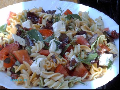 наконец-то я сделала Салат из пасты с вялеными помидорами - 2