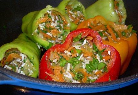 Летом я часто готовлю фаршированные перцы с зеленью, рецепт давала в одной из прошлых моих тем - 2