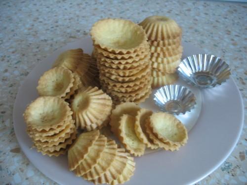 Тесто для закусочных тарталеток : Маргарин 250 г Мука 3 – 3,5 стакана Сода – символически, маленьку...