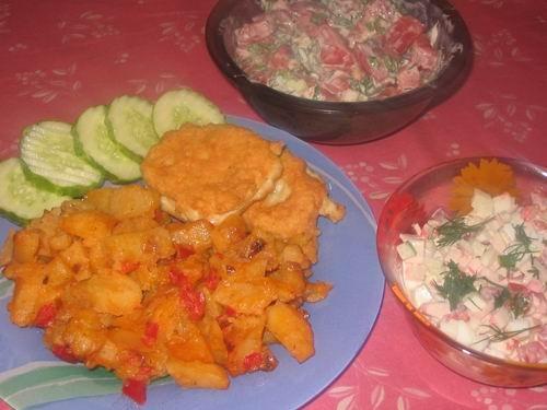 """У нас сегодня на ужин были """"Легкие куринные котлетки"""" от с картошечкой и овощами и два салатика: кр... - 2"""