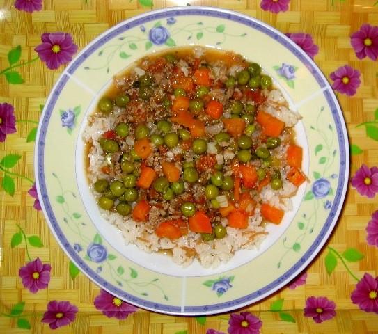 Поскреблась я по сусекам по просьбе Серафимы и выкопала фотку моего риса с горошком