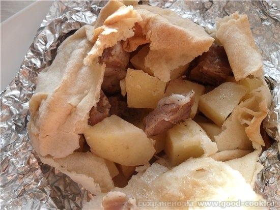 Мясо с картофелем тушеные в лаваше а так же покажу листы для бешпармака