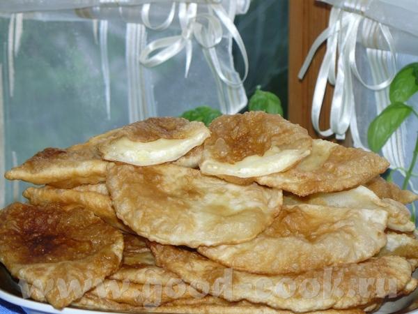На днях делала, даже не знаю как назвать, пирожки по-типу чебурек