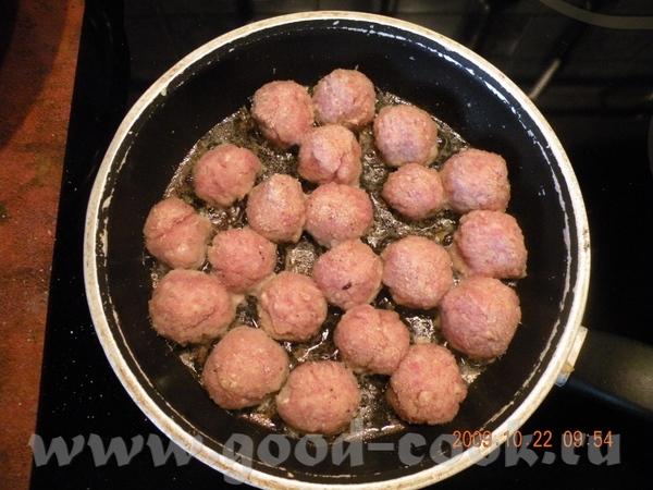 ТЕФТЕЛЬКИ-ПУЛЬПЕТИКИ Берем кусочек свиной лопатки, салцо,лук, чеснок - 4