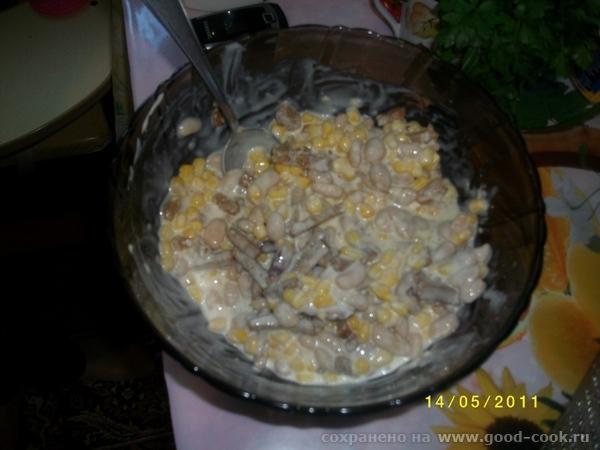 продолжение бутерброды с сливочным сыром + икра отбивная с грибами и сыром салат с фасолью,кукурузкой и сухариками,... - 3