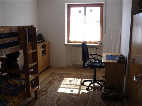 Первый этаж столовая и зал, на втором тоже коридор, сделали компьютерную комнату - 3