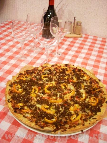раз уж о пиццах, то есть у меня один должок ещё прошлой осени готовила пиццы с основой по рецепту S...