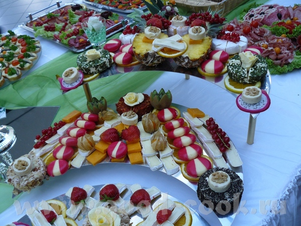 Ездили на свадьбу и я запечатлела стол с холодными закусками - 9
