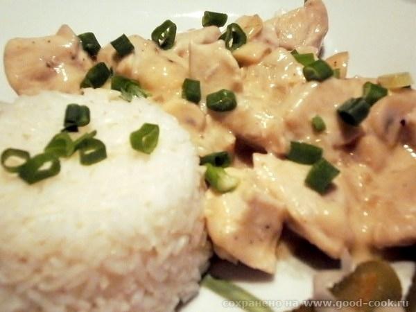 Курица со сметаной и зеленым луком