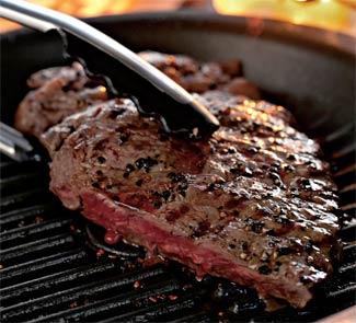 Классический стейк с перцем Порций: 2 Что нужно: мраморная говядина для стейка большой кусок (около...