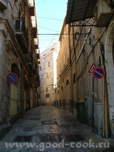 Весь Иерусалим выстроен из белого известняка или Иерусалимского камня (последние годы дома стали пр... - 5