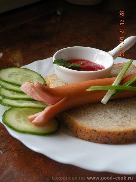 Горячее бутерброды Яишня на копченом сале Одним -Омлет с сухариками Другим- с сосисками - 9