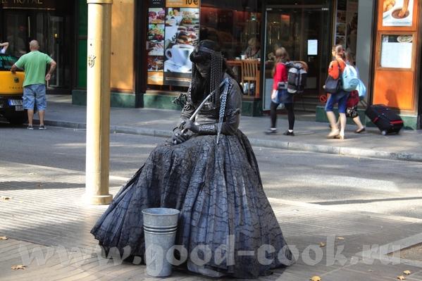 Знаменитая улица Рамблас Рынок Бекерия У нас правда тоже особо не было времени там погулять, да и м... - 2