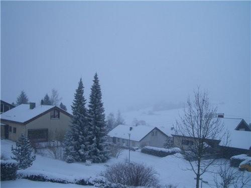 вот такой у меня взгляд с моего балкона,снимала севодня утром - 2