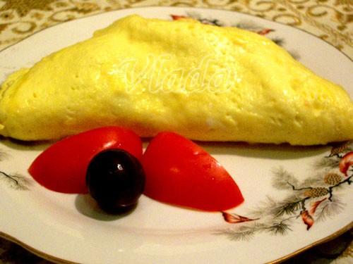 Люблю омлетики-сто лет не делала)давайте-ка и вам предложу ) Омлет с ветчиной и сыром 2 яйца 60 г в...
