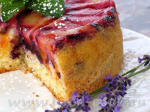 Вот такой фруктовый пирожок я испекла - один из вариантов шарлотки