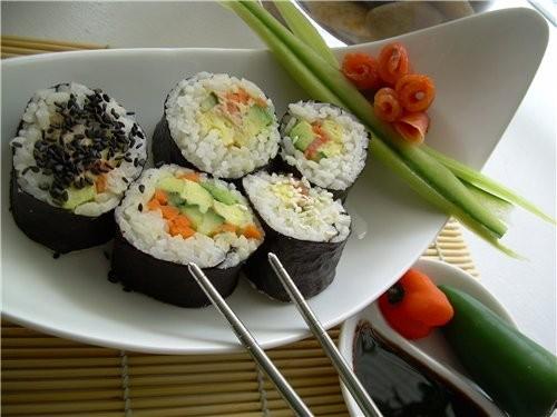 Суши(три варианта) Сэнгвичи с салатом Айсберг и яичнo креветочным Дипом - 2