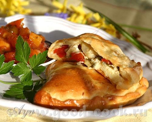 Сегодня на обед у нас Итальянский пирожок, или пицца сделанная в форме пирога - с курицей, артишока...
