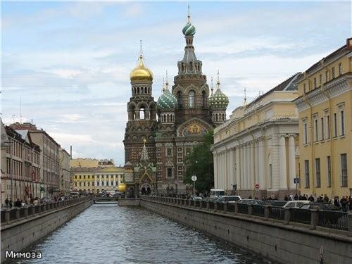 А сейчас мы с вами подходим к одну из самых красивейших соборов Петербурга и одновременно к одному... - 2