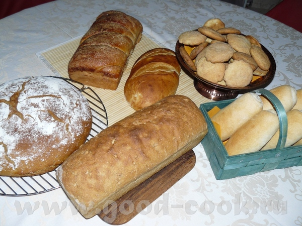 Это всё мой улов за прошлый четверг: булка, батон и булочки от Люды-марианна-ага, ржаной хлеб, смеш...