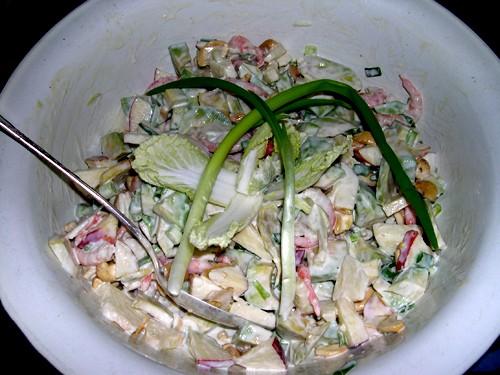 А мы в последнее время пристрастились к салатику из авокадо с креветками И помидорки от Енотика наш...