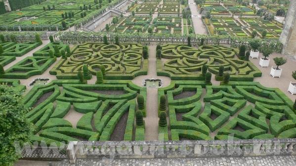 Но самым примечательным в данном замке был сад - 5