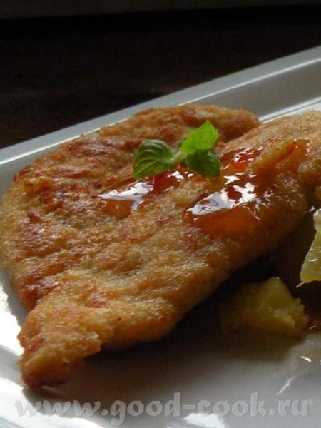 Просто Шницель из индейки с жареной картошкой ,капустой и с соусом Чили Лосось жареный с салатом ка... - 3