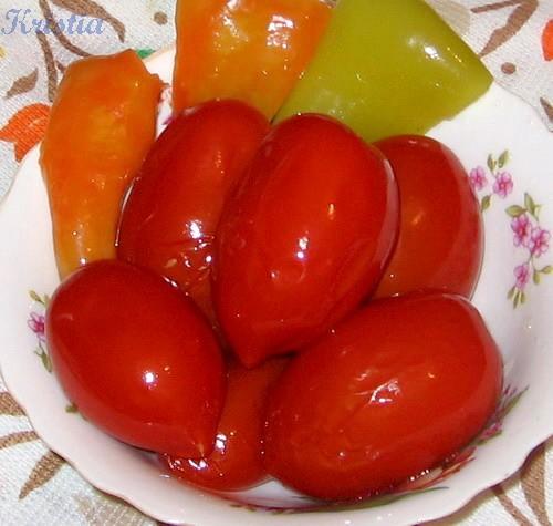 Вчера в гости заехали друзья, открыла баночку Помидорок в сладком маринаде, очень вкусненько