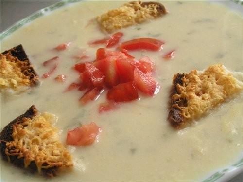 Суп с помидорами и стручковой фасолью Суп-пюре из цветной капусты с сырными крутонами - 2