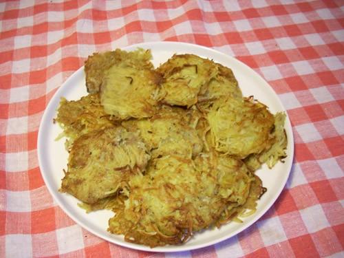 покажу вам мои дранники, которые готовлю очень редко (как и все блюда на основе картофеля)