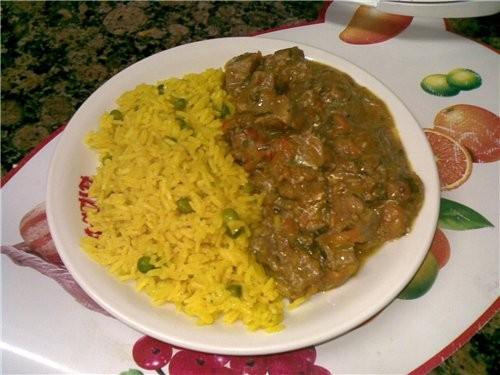 Мясо с овощами и гарниром из риса 800 г говядины 2 луковицы 1 большая морковь 1 сладкий перец зелен... - 3