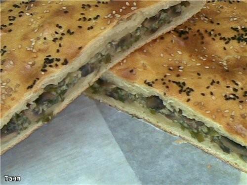Пирог-хлеб с тунцом Пирожки треугольники с тыквой и шпинатом Гнездышки из слоенного теста с мясом и... - 6