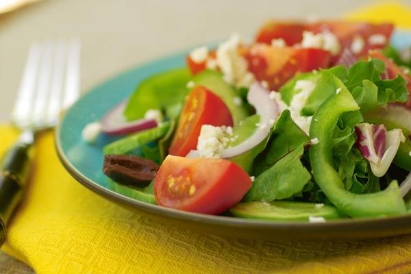 А это практически мой ежедневный ланч Вариация на тему греческого салата салатные листья ( у меня с...