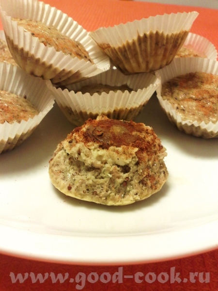 Кексы из тунца с сыром и красным луком